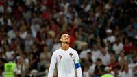 Pelatih Timnas Portugal, Fernando Santos, berharap Cristiano Ronaldo tak pensiun setelah tersingkir dari Piala Dunia 2018.