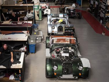 Intip Pabrik Pembuatan Mobil Sport Klasik di Inggris