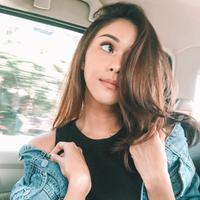 Nana Mirdad beberkan rahasia miliki kulit wajah yang mulus. (instagram/nanamirdad_)