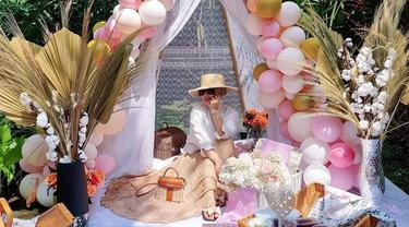 6 Momen Ulang Tahun Syahrini ke-39, Digelar Ala Garden Party yang Estetik