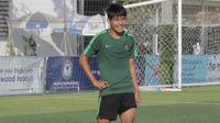 Gelandang Timnas Indonesia U-22, Witan Sulaeman, mengaku kondisinya sudah berangsur pulih dan siap tempur melawan Malaysia U-22. (Bola.com/Zulfirdaus Harahap)