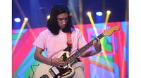 Jarang Terekspos, Ini 6 Potret Lelaki Hoed Anak Sulung Melly Goeslaw (sumber: KapanLagi.com)