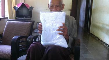Kakek Ambari, Cirebon