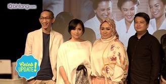 Gita Gutawa dan Melly Goeslaw nyanyikan lagu berjudul 'Memang Mengapa Bila Aku Perempuan?' Untuk film Kartini.