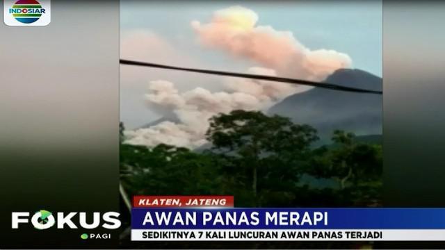 Akibat semburan awan panas, kawasan lereng Gunung Merapi di Desa Balerante, Klaten, sempat diguyur hujan abu tipis.