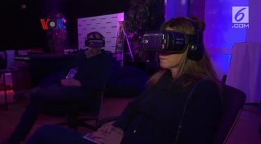 Teknologi VR mulai digarap industri film, bahkan melibatkan aktor ternama seperti John Travolta dan Nicholas Cage.