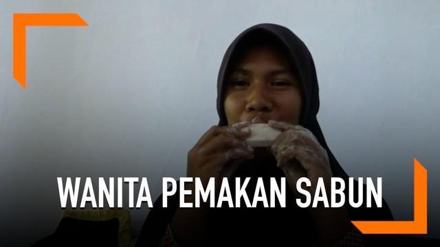 Wanita asal Probolinggo yang hobi makan sabun mengaku ingin sembuh dan sudah konsultasi ke dokter.