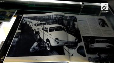 Berbagai memorabilia yang menggambarkan perjalanan Mitsubishi hadir di sini.
