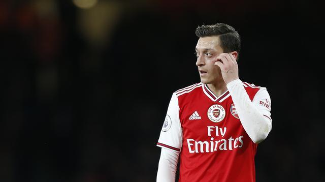 1. Mesut Ozil (Arsenal) - Pemain asal Jerman ini belum tampil pada laga kompetitif Arsenal di musim ini. Sejak Maret 2020, Ozil sudah tidak pernah terlihat di lapangan dan tidak masuk dalam daftar skuad Arsenal untuk Liga Ingrris dan Liga Europa pada musim ini. (AFP/Ian Kington/IKIMAGES)