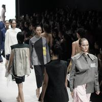 Tangan di Plaza Indonesia Fashion Week. (Foto: Dok. PIFW)