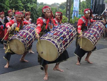 Konser Situs Budaya Iwan Fals