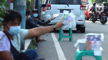 Jasa Penukar Uang Baru di Tangerang Mulai Ramai