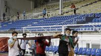 Stadion Rizal Memorial, Manila, Filipina, masih dalam tahap renovasi H-3 SEA Games 2019. (Bola.com/Muhammad Iqbal Ichsan)