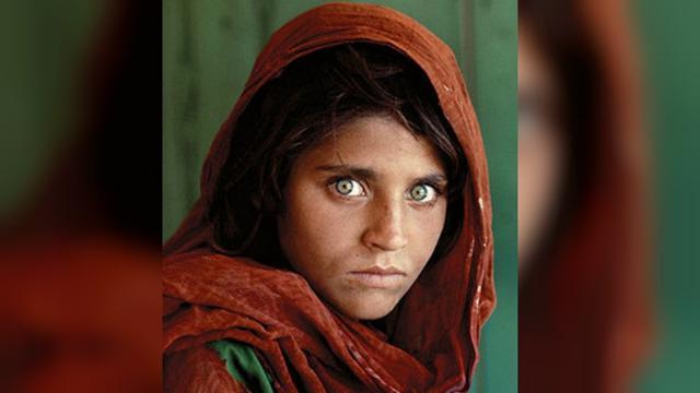 'Gadis Afghan' Ikon Pengungsi Ditangkap di Pakistan