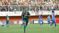 Striker andalan PSS, Cristian Gonzales, saat melakukan selebrasi gol ke gawang Persiraja Banda Aceh di Stadion Maguwoharjo, Sleman, Rabu (21/11/2018). (Bola.com/Vincentius Atmaja)