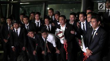 Usai mengasak tinmas myanmar di ajang sea games 2017 dan mendapatkan medali perunggu tim nasional sepakbola indonesia u 22 tiba di tanah air