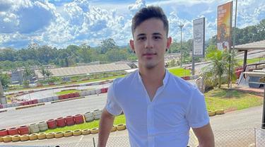 6 Potret Bruno Moreira, Gelandang Persebaya saat di Luar Lapangan