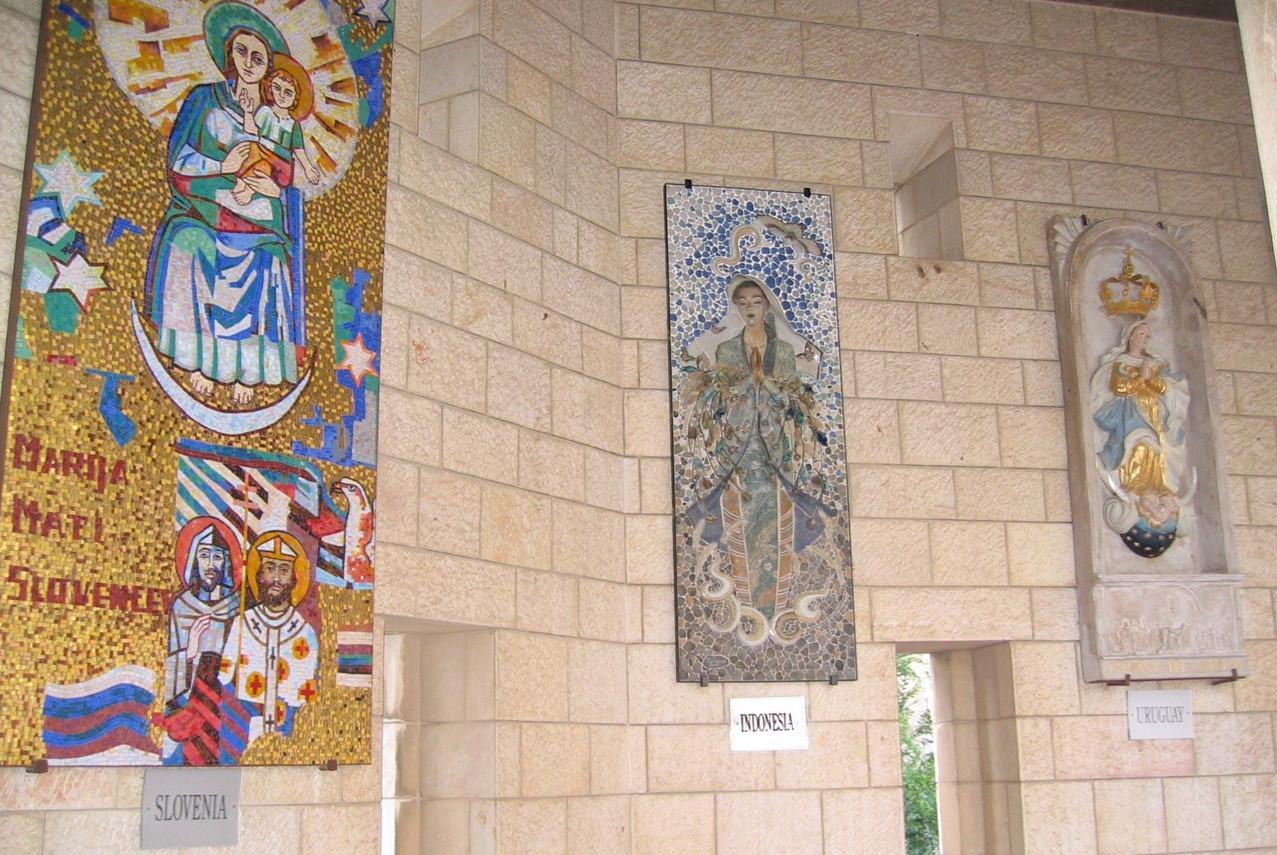 Ada Penampakan Patung Bunda Maria Berkebaya Di Nazaret