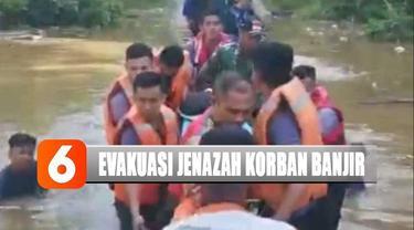 Ambulans hanya bisa menanti di seberang. Usai diseberangkan, jenazah diberangkatkan menuju rumah duka di Desa Benting, Kecamatan Air Besar.