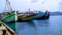 Masyarakat Pulau Natuna mendeklarasikan diri bersatu mendukung pengusiran kapal-kapal asing.