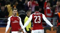 Aaron Ramsey merayakan golnya ke gawang CSKA Moscow bersama Danny Welbeck pada laga leg kedua perempat final Liga Europa di VEB Arena, Jumat (13/4/2018) dini hari WIB.  (AP Photo/Pavel Golovkin)