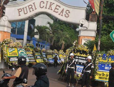 Ani Yudhoyono Wafat, Karangan Bunga Banjiri Puri Cikeas