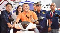 Ketua DPR dorong penggunaan kendaraan listrik. (foto: dok. DPR)