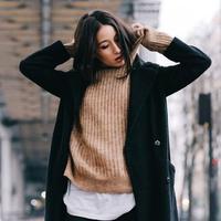 Fashion items ini bisa menggangu kesehatan. (sumber foto: Who What Wear/Pinterest)