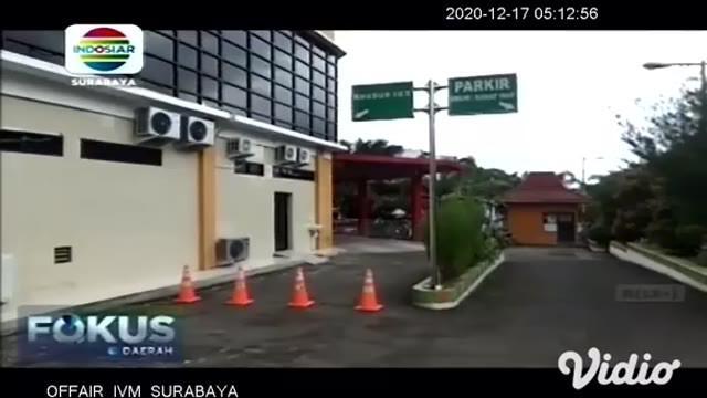 Jumlah perawat di Jawa Timur, yang meninggal dunia akibat terpapar Covid-19 terus bertambah. Rabu pagi (16/12) seorang perawat di RS dr Soewandhi Surabaya Dyah Prima Retnani meninggal. Kematian perawat di Indonesia sudah mencapai 18 persen.