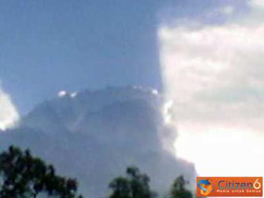 Citizen6, Kalimantan: Fenomena langit terbelah di Tumbang Samba, Kalimantan Tengah, Kamis (17/3). (Pengirim: Novi Nur)