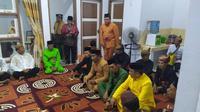 Pemangku adat bersiap melaksanakan Tonggeyamo (Arfandi/Liputan6.com)