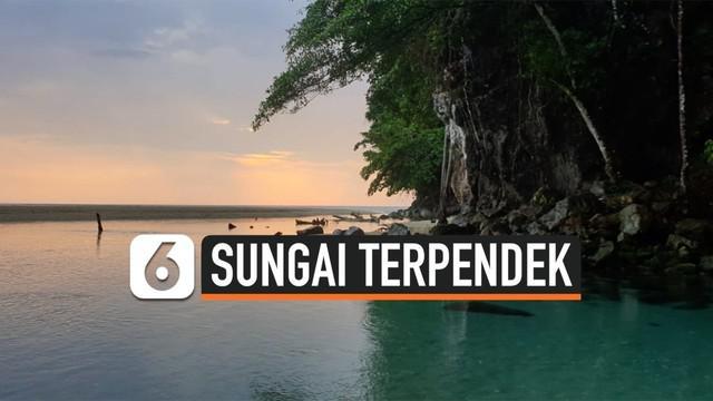 Sungai Tamborasi merupakan sungai terpendek dunia yang terletak di Desa Tamborasi, Kecamatan Wolo, Kabupaten Kolaka, Sulawesi Tenggara.