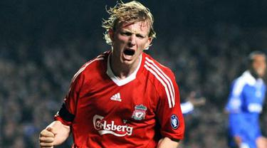 Liverpool's Dirk Kuyt celebrates scoring against Chelsea during their UEFA Champions League quarter final second leg match at Stamford Bridge, on April 14, 2009. Chelsea advance to the semi-final after winning 7-5 on aggregate. AFP PHOTO/PAUL ELLIS