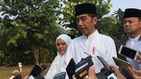 Jokowi salat Iduladha di Kebun Raya Bogor, Jawa Barat. (Lizsa Egeham)
