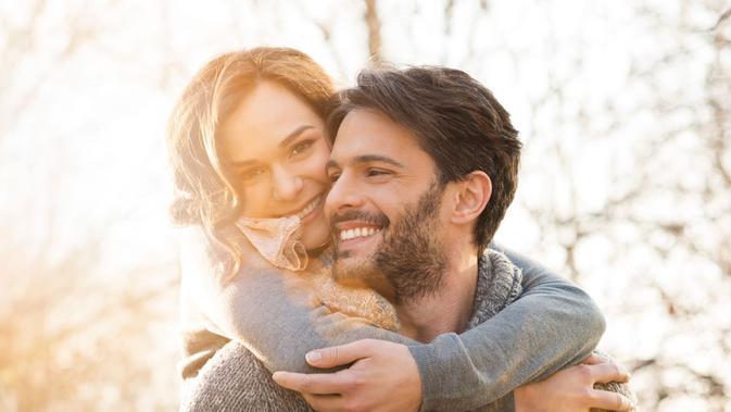 Tips Bahagia Bersama Pasangan, Strategi Bikin Cinta Semakin Awet