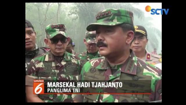 Panglima TNI tinjau langsung lokasi kebakaran hutan di Provinsi Riau yang semakin meluas. Pihaknya akan melakukan koordinasi langsung dengan Presiden.