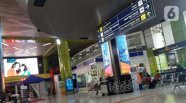 Jadwal Perjalanan Dibatalkan, Stasiun Gambir dan Pasar Senen Sepi