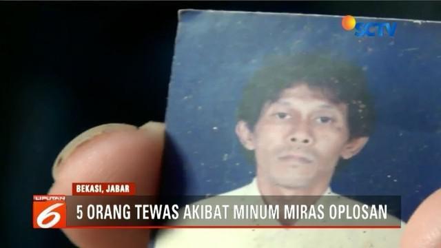 Lima orang di Bekasi tewas berurutan setelah mengonsumsi minuman keras oplosan yang didapat dari penjual yang tinggal di permukiman setempat.