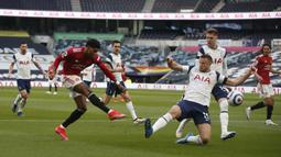 Manchester United sempat mengancam lewat Rashford. Namun, lagi-lagi belum ada gol yang tercipta. (Foto: AP/Pool/Matthew Childs)