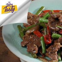 Kalau kamu sudah merasa bosan dengan semur daging sapi, maka sekarang kamu bisa mencoba resep Beef with Black Pepper. (Fotografer: Bambang E. Ros/DI: M. Iqbal Nurfajri/Chef: Arum Sari)