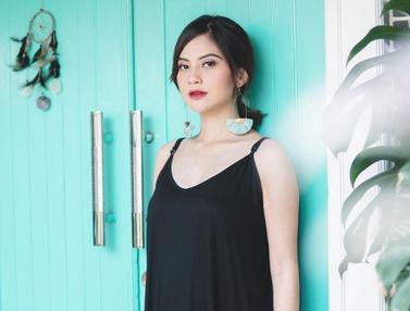 FOTO: Gaya Santai Tiwi Eks T2 saat Liburan, Simpel dan Fashionable