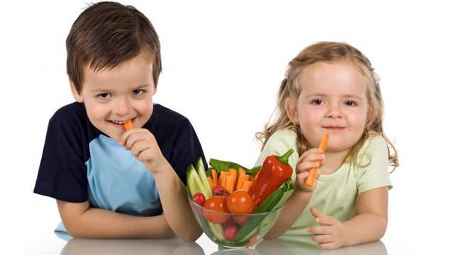 anak-makan-sayur-140207b.jpg