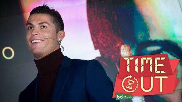 Cristiano Ronaldo sebut dirinya sebagai pesepak bola terbaik dalam dua dekade terakhir. Hal tersebut terlihat dari prestasi yang diraihnya.