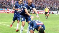 Ekspresi kegembiraan pemain PSIS Semarang setelah mengalahkan Persipura Jayapura, di Stadion Moch. Soebroto, Magelang, Sabtu (1/12/2018) sore. (Bola.com/Vincentius Atmaja)