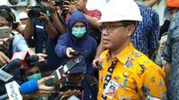Kepala Dinas Lingkungan Hidup DKI Jakarta, Andono Warih Saat Sidak ke PT Mahkota Indonesia di Cakung, Jakarta Timur, Kamis (8/8/2019). (Foto: Muhammad Radityo Priyasmoro/Liputan6.com)