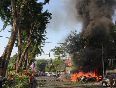 Bom Bunuh Diri Ledakan Gereja di Surabaya
