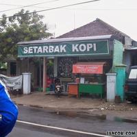 Hahahaha! Toko-toko berikut ini punya nama yang berasal dari plesetan nama publik figur.