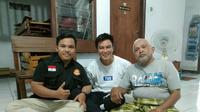 Baim Wong dan kakek Suhud (Instagram/gerakmenebarkebaikan)