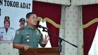 Pangdam II Sriwijaya, Mayor Jenderal AM Putranto saat bertemu sejumlah tokoh adat dan agama di Provinsi Jambi. (Liputan6.com/B Santoso)