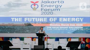 Menteri ESDM  Arifin Tasrif memberikan sambutan dalam pembukaan Jakarta Energy Forum 2020 di Jakarta, Senin (2/3/2020). Jakarta Energy Forum 2020 tersebut mengangkat tema 'The Future of Energy'. (Liputan6.com/Faizal Fanani)